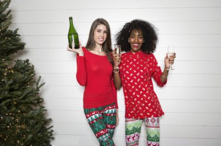 21 Tips For Throwing An Office Christmas Party Your Employees Will Enjoy